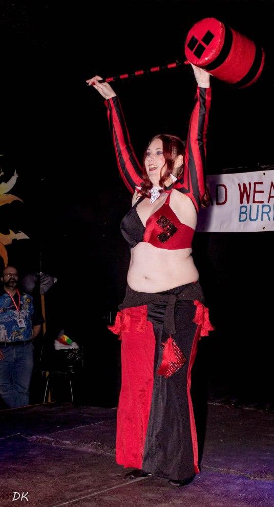 Harley Quinn Raks al Assaya